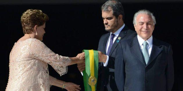 Blogueiro critica atual governo, resultante do impeachment de Dilma