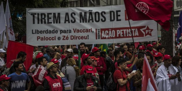 Grupos de apoio a Lula tacham de fascistas aqueles que querem a condenação de petistas envolvidos em