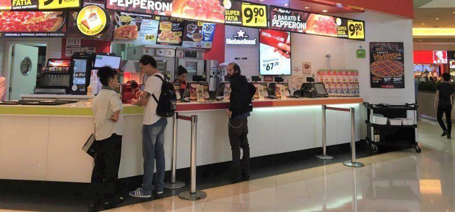 Pizza Hut no Shopping Eldorado tem cinco profissionais com mais de 60