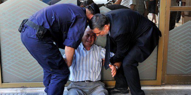 Sem reforma da Previdência, aposentado brasileiro poderá sofrer mesmo drama do grego Giorgos Shatzifotiadis,...