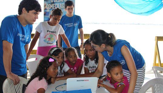 No Pará, projeto 'hackeia' rios para levar informação e tecnologia aos