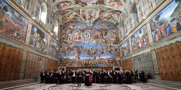 Afrescos de Leonardo da Vinci embelezam a Capela Sistina, no