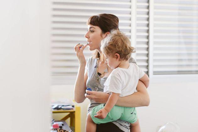 A maternidade moderna cheia de luz e