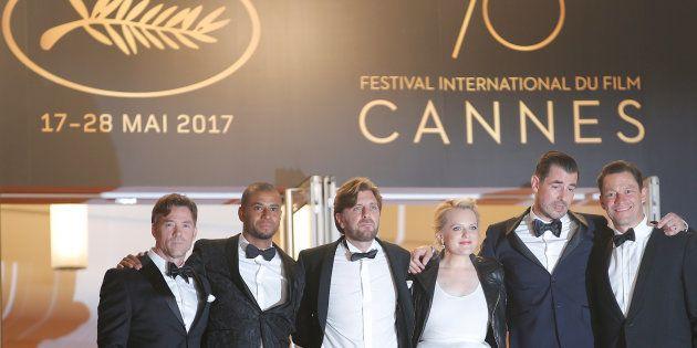 Na sequência da esquerda para a direita, o diretor do filme, Ruben Ostlund, e o elenco: Christopher Laesso;...