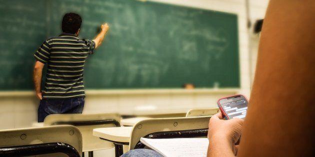 O abandono e o desinteresse nos últimos anos do Ensino Fundamental são problemas urgentes para a educação...