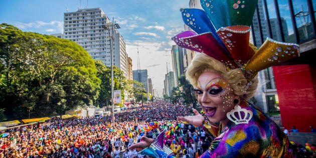 A 21ª Parada do Orgulho LGBT de São Paulo levou milhares à Avenida