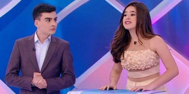 A atriz Maísa se incomoda com a insistência de Sílvio Santos para que haja uma aproximação entre ela...