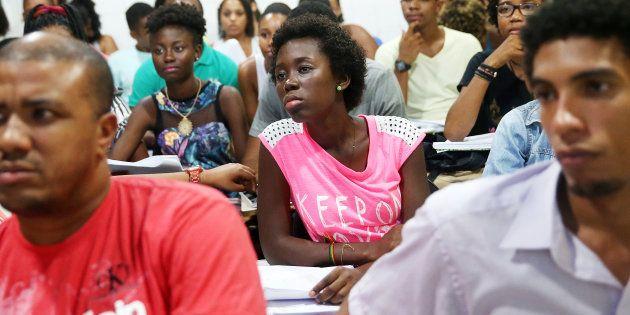 O Brasil chegou a ter mais estudantes negros no ensino superior que os Estados Unidos, porém a esmagadora...
