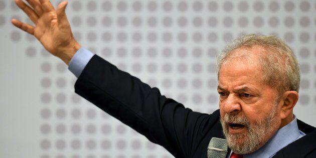 Lula é alvo de três denúncias na Lava Jato: corrupção passiva, lavagem de dinheiro e obstrução de