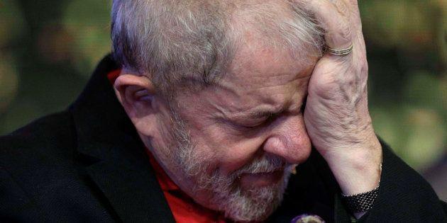 O ex-presidente Lula foi condenado a nove anos e meio de prisão na Operação Lava