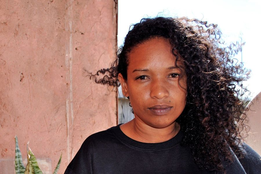 Iara hoje trabalha com o acolhimento de moradores de rua em uma oNG, além de estrelar peça na capital