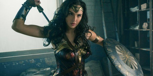 A atriz Gal Gadot interpreta a guerreira Diana no filme 'Mulher