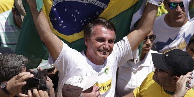 O deputado Jair Bolsonaro foi super homenageado em uma escola