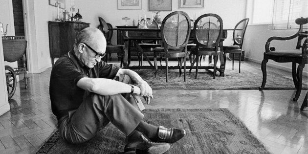 Quando iniciei o meu caminho literário, Drummond era fácil, amigável, inteligível e um poeta das palavras...
