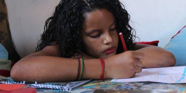Em projeto da ActionAid com Grãos de Luz e Griô, foco na pedagogia griô p que integra os estudos a saberes...