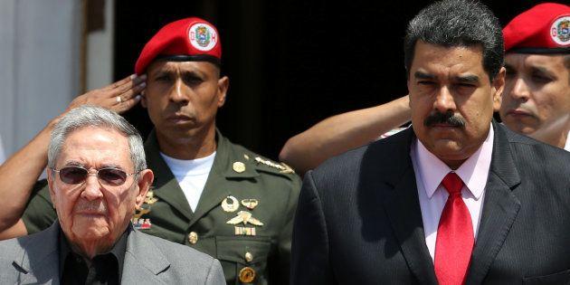 Os presidentes de Cuba, Raul Castro, e da Venezuela, Nicolás Maduro, se encontram para lembrar o aniversário...
