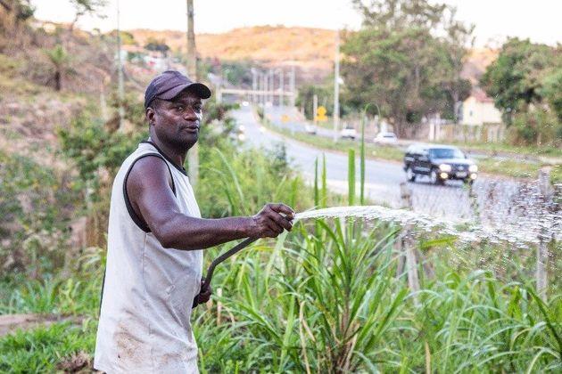 Eduardo Santos está tentando resgatar a origem rural de