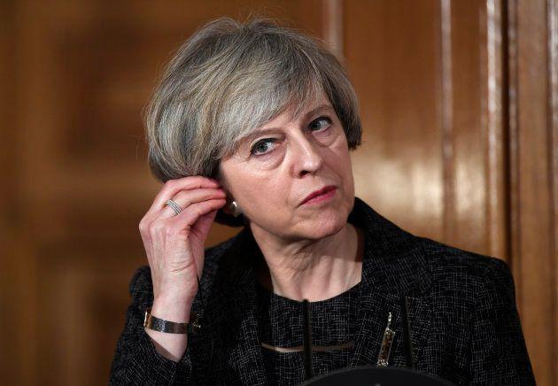 A primeira-ministra do Reino Unido, Theresa May, inicialmente era contra o Brexit, mas agora tem a responsabilidade...