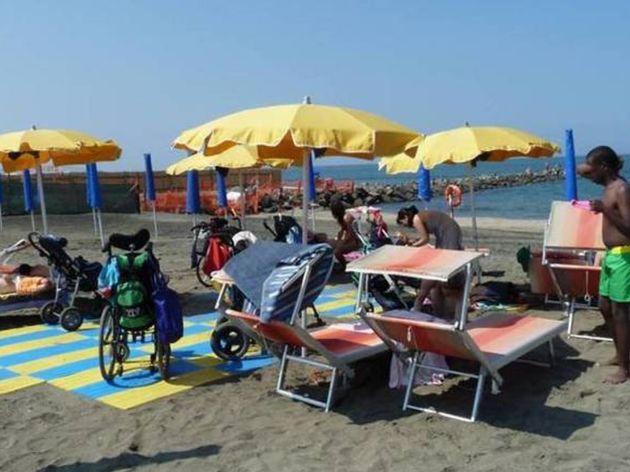 Conheça La Madonnina, a praia acessível para deficientes financiada pelo Papa