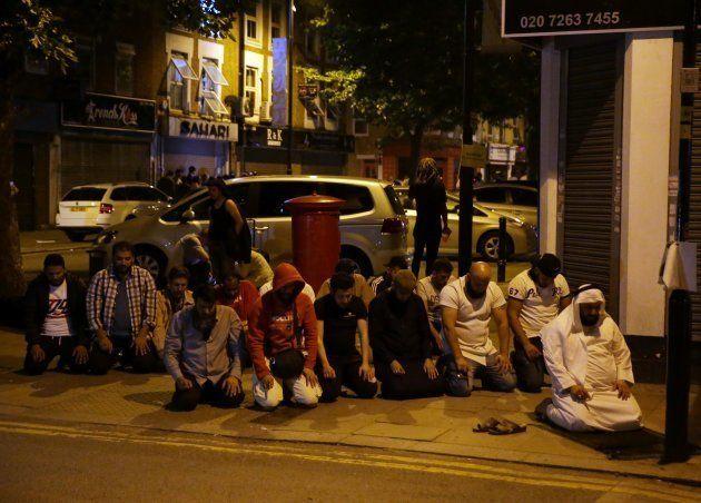 Ataque em mesquita muçulmana em Londres deixa 10