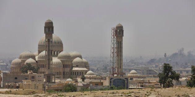 Mesquita de al-Nuri, em Mosul, no Iraque, foi destruída após ser alvo de uma