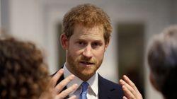 Príncipe Harry quer uma vida 'comum': 'Alguém na família real quer ser rei? Não