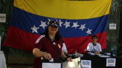 Contra Maduro, oposição leva milhares às urnas na