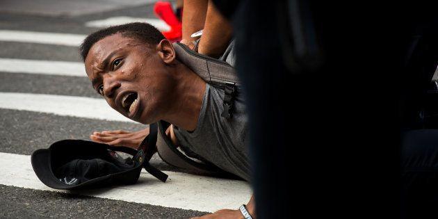As imagens que escancaram o discurso de ódio que ainda vive em