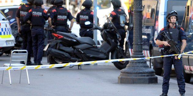 Uma van foi lançada contra os pedestres em Las