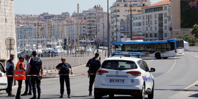 No local da detenção estiveram presentes peritos, que verificaram que não havia explosivos no interior...