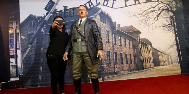 A estátua tinha sido colocada em 2014 no Mata Trick Eye Museum, cuja especialidade é montar cenários...