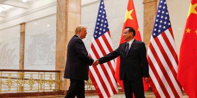 Donald Trump e Li Keqiang, premiê da China, se reuniram em Beijing em novembro