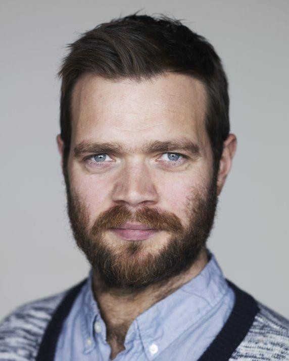 Jóhannes Haukur Jóhannesson plays Thomas.