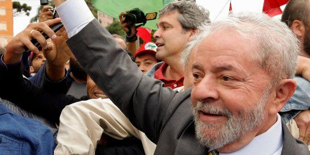 Depoimento de Lula a Moro termina depois de 5