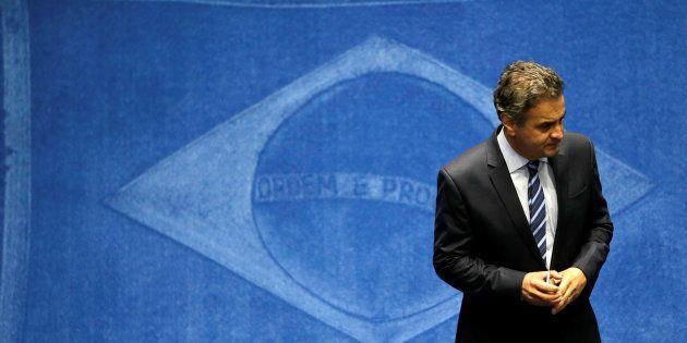 Aécio foi afastado do cargo de senador depois de aparecer em áudio no qualpede R$ 2 milhões aos donos...
