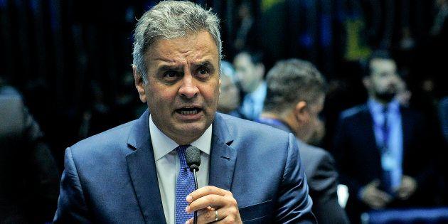 Senadores pedem para desarquivar pedido de cassação do mandato de Aécio Neves, senador afastado do cargo...