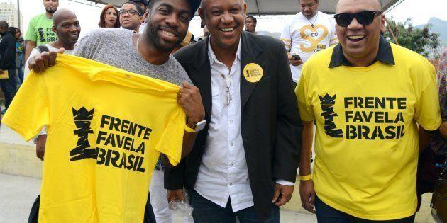 O ator Lázaro Ramos e os ativistas Celso Athayde e Preto Zezé durante o lançamento do Frente Favela Brasil,...