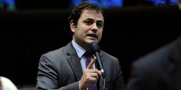 O deputado federal Glauber Braga (PSOL-RJ), em discurso no plenário da