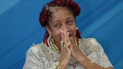 Ministra que queria salário de R$ 60 mil para comprar roupas e maquiagem desiste de