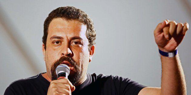 Guilherme Boulos foi apresentado como candidato oficial do PSOL à Presidência por aclamação durante convenção...