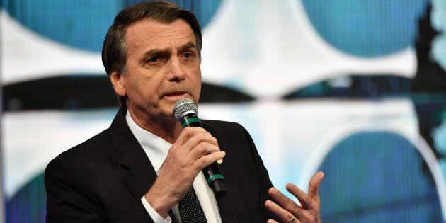Bolsonaro afirmou, sim, que não empregaria mulher com mesmo salário de