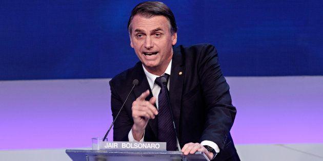 Plano de Bolsonaro para Previdência prevê que novos participantes poderão optar entre os sistemas novo...