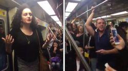 Uma mulher começou a cantar 'Evidências' no metrô de São Paulo e não teve um que resistiu à