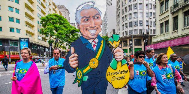 Aposentados e trabalhadores protestaram contra reforma da Previdência de Michel Temer em