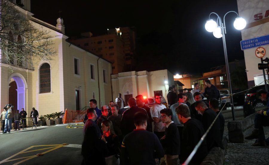 Movimentação na frente da Santa Casa de Misericórdia de Juiz de Fora
