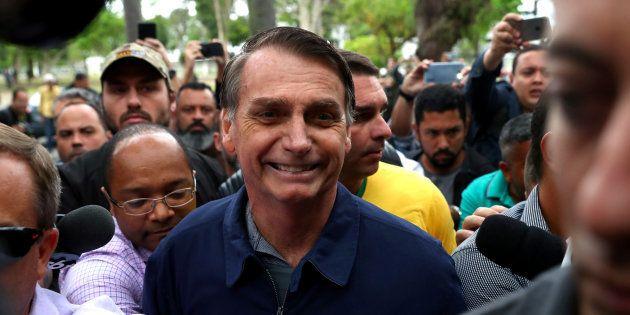 Candidato à Presidência pelo PSL, chegou para votar em colégio eleitoral em Deodoro, na Zona Oeste do