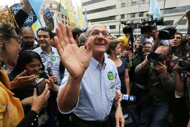 Geraldo Alckmin em caminhada pelo centro de São Paulo, em 5 de