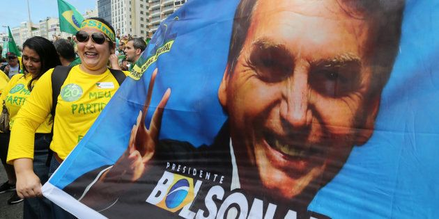 Bolsonaro acompanhou atos a seu favor e agradeceu nas redes