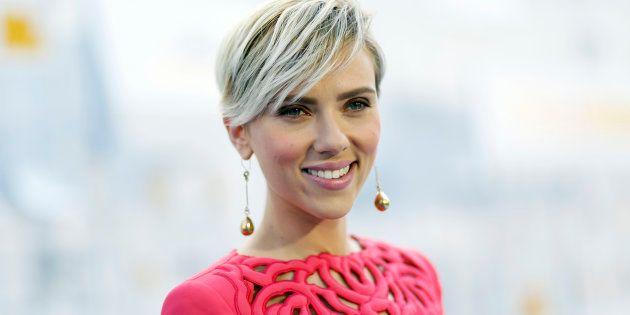 Atriz Scarlett Johansson falou sobre casamento e maternidade em