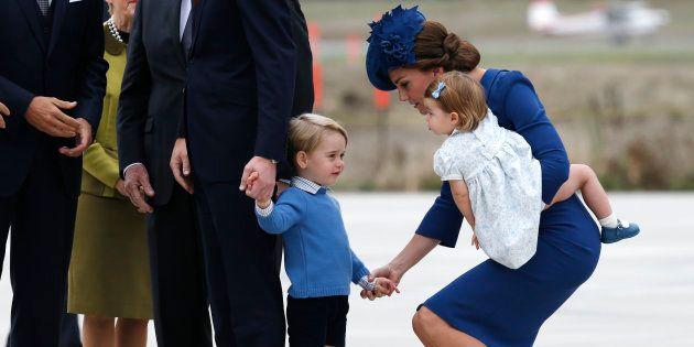 Duquesa de Cambridge fala sobre maternidade e saúde